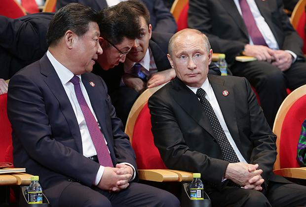 Си Цзиньпин и Владимир Путин в Шанхае, 2014 год