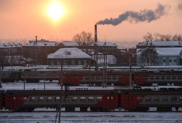 Пассажирские поезда на станции Новосибирск-Главный Западно-Сибирской железной дороги, которая является составной частью Транссибирской железнодорожной магистрали.