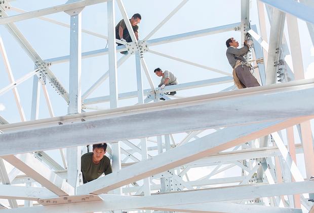Национальный космический центр «Қазақстан Ғарыш Сапары» строится с 2010 года. Проект включает комплекс различных сооружений на территории около 30 гектаров. Окончание работ назначено на 2020 год.