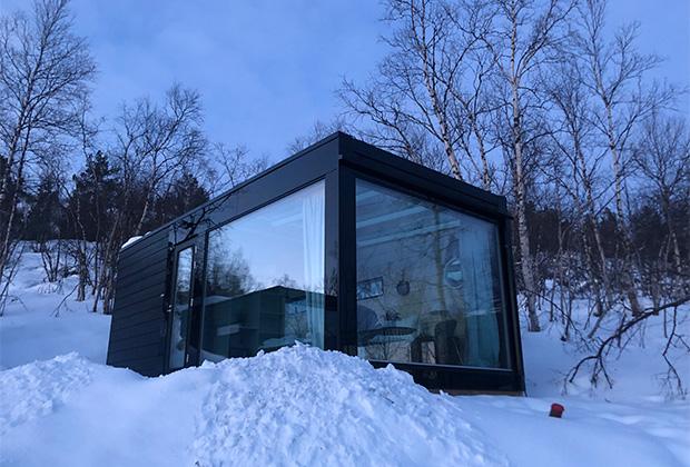 В Норвегии, как и в Финляндии, стеклянный фасад, прозрачный с обеих сторон