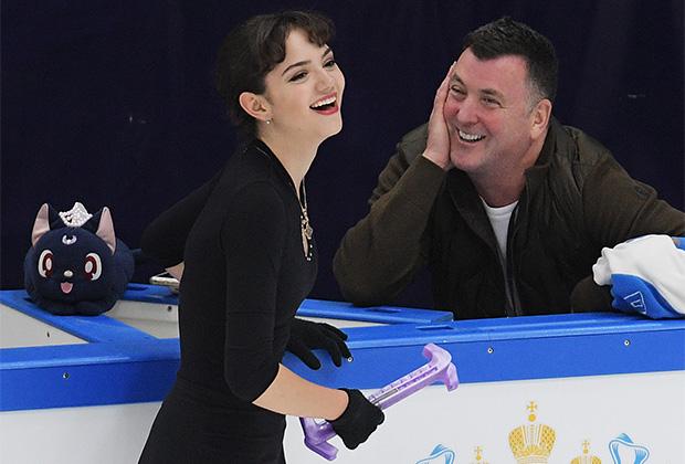 Евгения Медведева с тренером Брайаном Орсером