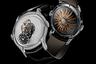 Новые часы — первая трехмерная модель часовой марки Максимилиана Бюссера MB&F, разработанная специально для женщин. Хитроумный механизм с парящим турбийоном размещен под выпуклым стеклом в центре циферблата, полностью павированного бриллиантами. С тыльной стороны размещен ротор автоматического механизма. Он тоже необычен: ему придали форму солнца с изогнутыми лучами из красного золота.
