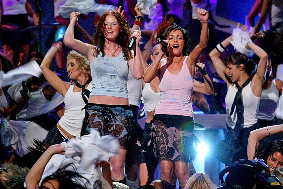 Выступление группы «Тату» на MTV Movie 2003