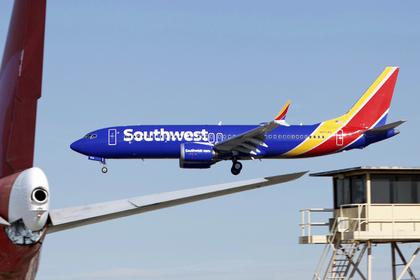 Очередной Boeing 737 MAX столкнулся с проблемами во время полета