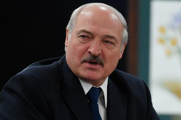 Лукашенко потребовал отправить под нож сопровождавших его чиновников