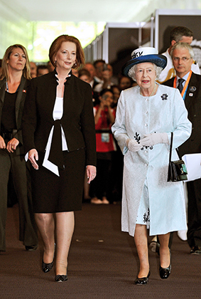 Джулия Гиллард и королева Елизавета II в Перте, Австралия, 2011