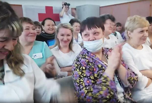 https://icdn.lenta.ru/images/2019/03/27/17/20190327175301035/pic_af4c3540eed1931ff58ef70c0aafc7bf.jpg