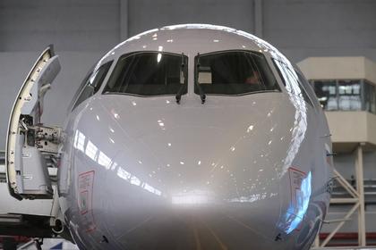 Самолет «Сухой Суперджет 100»