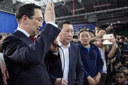 Встреча главы Республики Саха А.Николаева с жителями Якутска, посвященная вопросу незаконной миграции