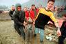 «Официальный» старт столкновениям дали 28 февраля 1998 года: АОК объявила о начале вооруженной борьбы за независимость Косова. Сепаратисты начали нападать на полицейские участки и государственные здания. <br></br> Первоначально боролись с формированиями албанцев силы МВД. Позднее, когда АОК разрослась и начала нападать на военные части, к противостоянию присоединилась и армия. В июле 1998-го против албанских формирований началась крупная операция, им нанесли крупное поражение, и к концу сентября от формирований мало что осталось.