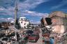 Националистические настроения привели к созданию сепаратистами 22 сентября 1991 года Республики Косово и проведению среди албанцев референдума, на котором практически все проголосовали за независимость. Примерно в то же время распалась и СФРЮ, вместо которой появилась Союзная Республика Югославия (в составе — Черногория и Сербия).  <br></br> К середине 1990-х в Косове появились собственные вооруженные формирования, названные Армией освобождения Косово (АОК). На территории края, по сути, велась партизанско-террористическая война, ее жертвами стали сотни людей: как югославские чиновники и военные, так и мирные жители.