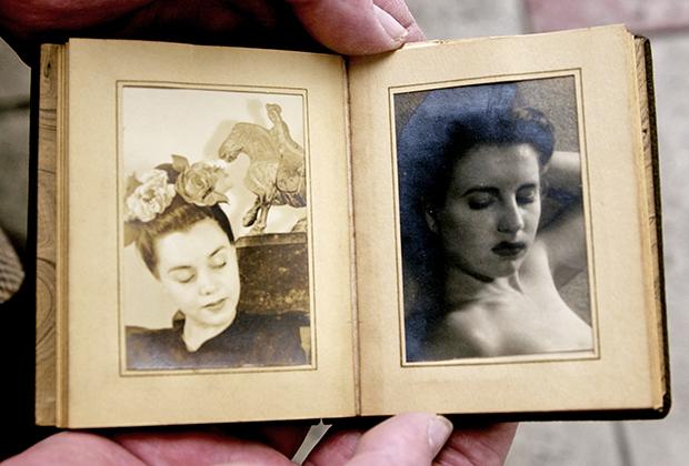 Стив Ходел показывает снимки Элизабет Шорт, найденные в альбоме отца