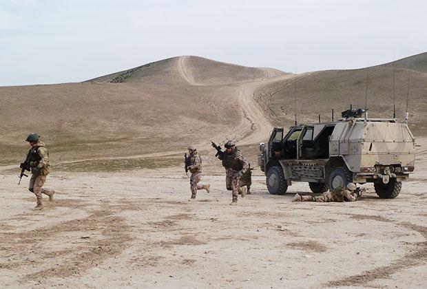Латвийские солдаты участвуют в афганской операции НАТО «Решительная поддержка»