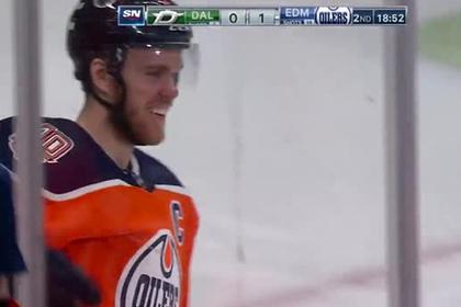 Игрок НХЛ поразил ворота броском из-под ноги