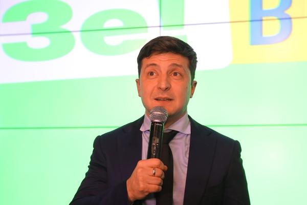 Зеленский захотел выиграть выборы в одиночку