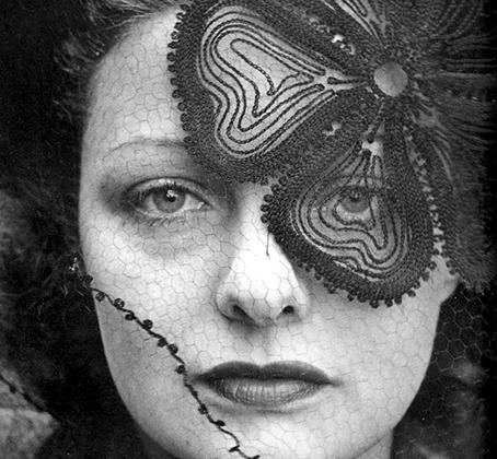 За свою карьеру Эйзенштадт выполнил более 2,5 тысячи заданий в качестве фотографа-фрилансера для различных изданий. Его работы были напечатаны на обложках 92 выпусков американского журнала Life.