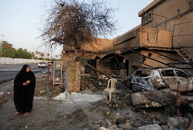 Последствия взрыва бомбы в Багдаде