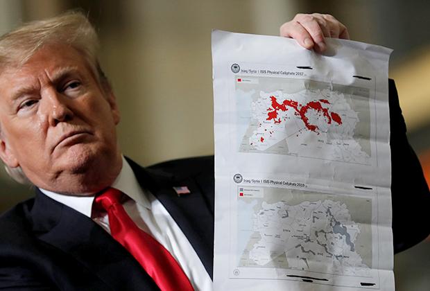 Дональд Трамп показывает территорию «халифата» в момент его наивысшего расцвета и после уничтожения