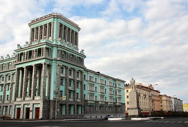 Норильск, Ленинский проспект