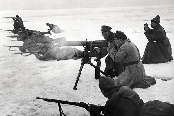 Красная армия атакует Кронштадт