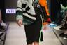 Впрочем, вязаные балаклавы захватывают не только подступы к неделе моды, но и самый подиум: марка M.I.R предлагает носить их с меховыми шубками и прозрачной обувью.