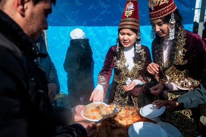 Расточительным казахстанцам составили поминальное меню