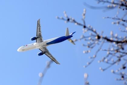 В небе над Москвой опасно сблизились самолеты