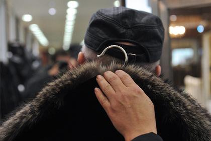 Незнакомцы с помощью «психической атаки» убедили пенсионерку купить шубу