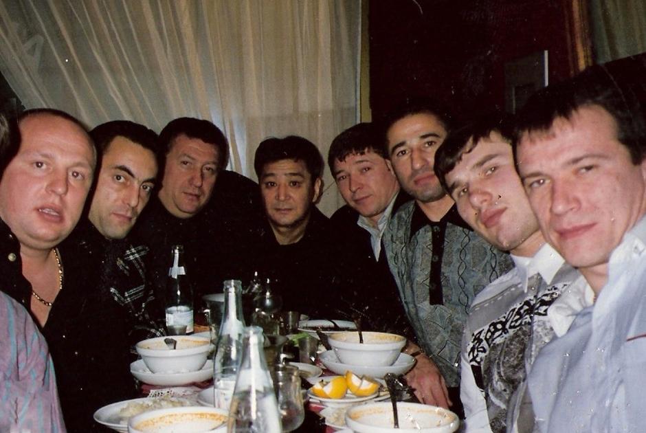 Слева направо: Ястреб, Бедыч, Михаил Черной, Алимжан Тохтахунов, Вадик Ворона, Олег Шишканов (Шишкан)