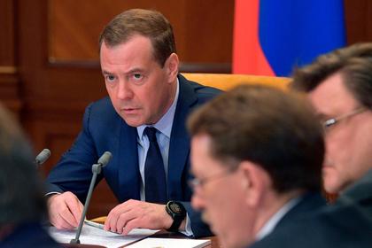 Медведев раскритиковал качество переработки мусора в России