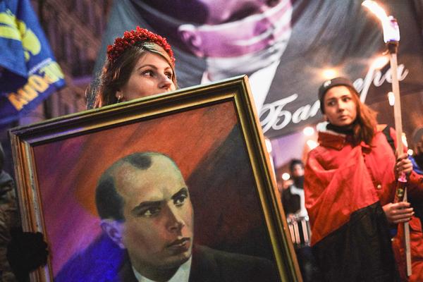 «Фашистская оккупация краше москальской».На Западной Украине любят Бандеру и хвалят Третий рейх. Там снова проголосуют за Порошенко