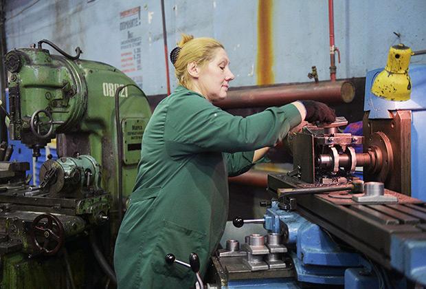 Работница машиностроительного завода «Армалит», 2018 год