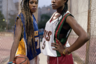 «В чистилище». Молодые нигерийки София и Эйрини живут в Греции и увлекаются баскетболом. Несмотря на то что они выросли в греческой культуре, гречанками они себя не чувствуют из-за общественного неприятия. Им не выдают местных паспортов, отсюда ощущение, что их хотят выдавить из этой страны.  <br> <br> «У меня такое чувство, что они хотят выгнать меня из-за того, что я чувствую себя частью этой страны, —говорит Эйрини. — Я считаю, что быть греком без документов оскорбительно. Я делаю то же, что и другие греки, я говорю по-гречески, как и другие. Я гречанка, и никто не может сказать иначе. Но в то же время они обращаются со мной не так, как должны. Это как мать, которая воспитывает двоих детей, но любит одного больше, чем другого, только потому, что он больше похож на нее внешне!»