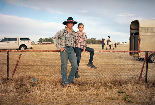 Юные австралийские ковбои. 18-летний Майкл Коке уже успел поучаствовать в родео в 2017 году. С ним его 9-летняя сестра Анджела.