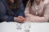 Фотограф Екатерина Зерщикова родилась в Ростове-на-Дону, получила экономическое образование, но в 2004 году перебралась в Германию. Серия, получившая высокую оценку жюри LensCulture, посвящена портретам российских южан, которых Екатерина фотографировала вместе и поодиночке. На этом снимке — мать и дочь.
