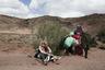 """«Как мы можем называть наш проект """"Синайской тропой"""", если в него не вовлечены живущие тут женщины?» — объясняет свою мотивацию Хоффлер. Его соратницей и куратором для женщин-гидов стала Джули Паттерсон (слева)."""
