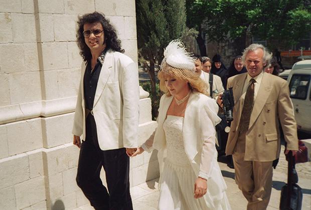 Пугачева Алла и Киркоров Филипп во время бракосочетания, 1994 год