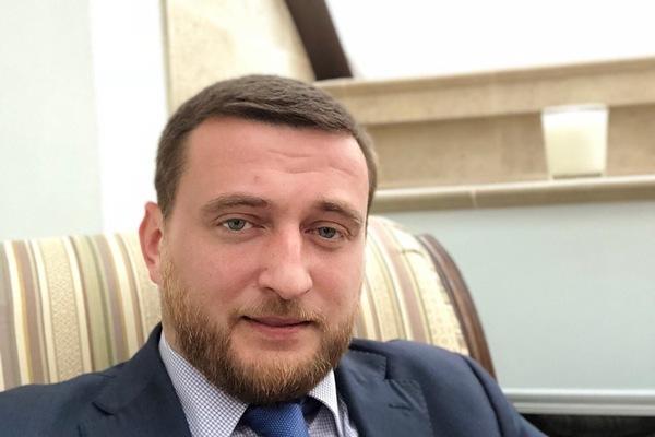 Источник: правозащитник Пятницкий задержан поподозрению встрельбе вцентре Москвы