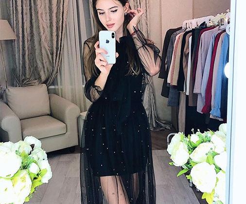 В модельное агентство Алина попала всего два месяца назад. Однако уже приняла участие в съемках для магазина одежды.