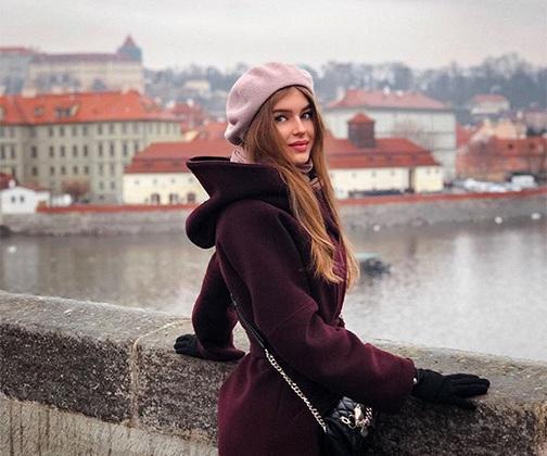 Алина не мыслит жизни без путешествий. Свой 20-й день рождения победительница отметила в Праге. В зарубежных поездках она черпает силу и вдохновение.