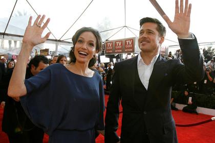Анджелина Джоли и Брэд Питт официально развелись