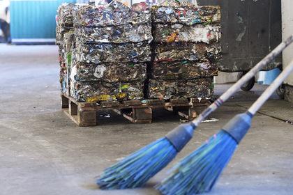 Вывоз мусора может быть приостановлен сразу внескольких русских  областях