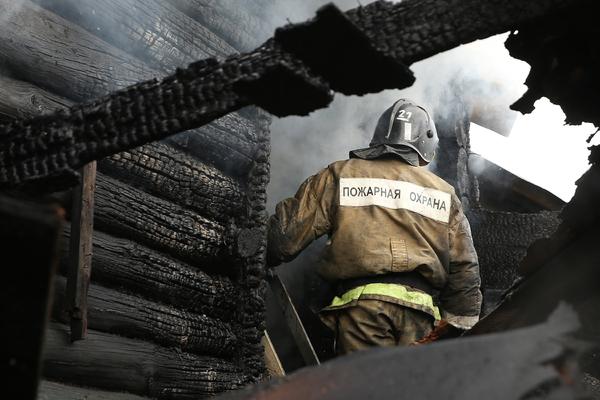 Россиянка пыталась сжечь надоевших ей дочь и сына