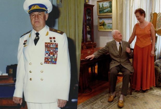 Александр Ефимов попал на фронт в возрасте 20 лет, а уже в 1943 году его назначили командиром эскадрильи штурмовиков. За годы войны он совершил 222 боевых вылета на Ил-2, в ходе которых лично и в составе группы уничтожил 85 вражеских самолетов, хотя среди штурмовиков считалось удачей выжить после седьмого вылета.  <br></br> Александр Николаевич воспитал тысячи летчиков, среди которых был и  простой египетский парень по имени Хосни Мубарак — тот самый военный летчик, который потом стал президентом Египта. На фото: Ефимов в парадной форме в рабочем кабинете и дома в штатском.