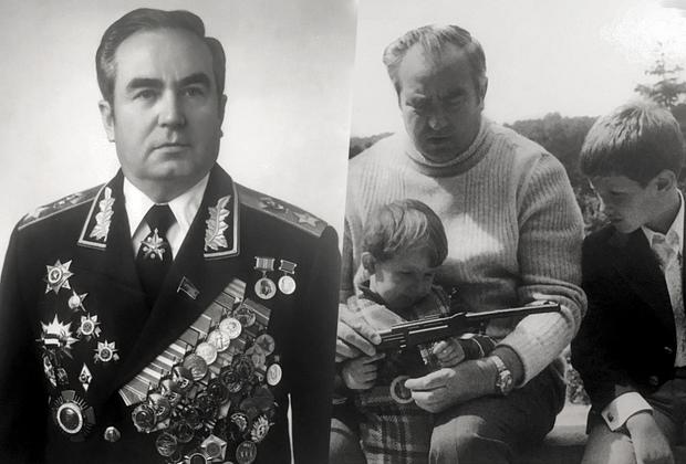 В годы войны Виктор Куликов участвовал в оборонительном сражении на Западной Украине, в битве за Москву, Ржевской битве, в Смоленской, Белорусской, Прибалтийской, Восточно-Прусской, Восточно-Померанской и Берлинской наступательных операциях. После войны он занимал должность главнокомандующего Объединенными силами государств-участников Варшавского договора. Куликов считается одним из военачальников-долгожителей— он прожил 91 год. <br></br> На фото, сделанном в 1980-х годах, Виктор Куликов проводит «боевую подготовку» с внуками Николаем и Алексеем.