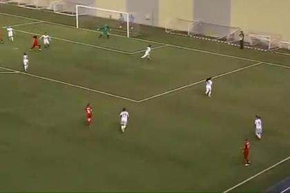 Камерунская футболистка по имени Татьяна забила в девятку в падении через себя