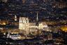 Великолепное зрелище подсвеченных стен, шпиля и западного фасада собора останется в памяти у всех, кому довелось его увидеть. Если власти Франции решат восстановить сгоревший храм, это займет не один год.