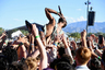 Каждый год на open-airфестивале у небольших музыкальных групп появляется возможность заявить о себе. При выборе исполнителей организаторы Коачеллы оценивают только голос и тексты песен музыкантов, не учитывая степень их популярности.