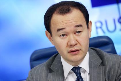 Побитый футболистами чиновник Пак обиделся на слово китаецПерейти в Мою Ленту
