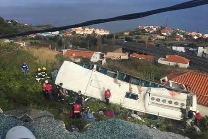 Жертвами ДТП стуристическим автобусом вПортугалии стали 28 человек